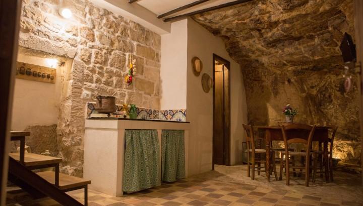 Panoramica casa grotta